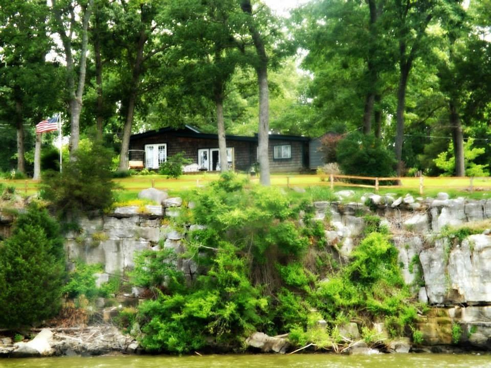 rental-house-on-the-lake-vrbo472373.jpg