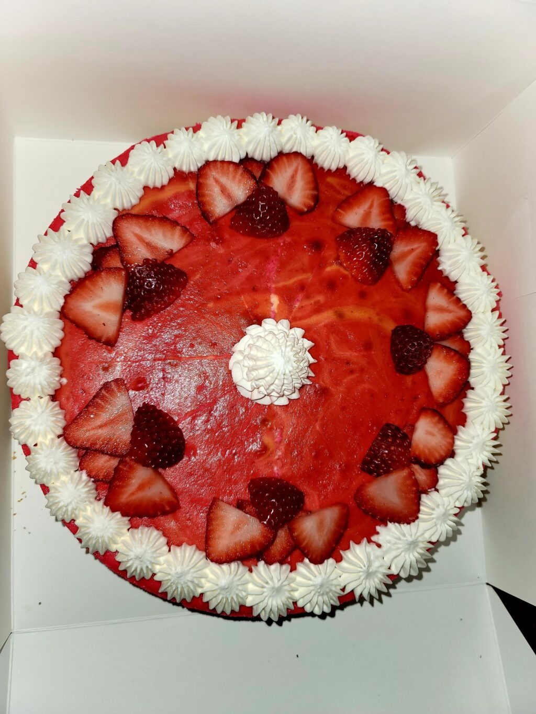strawberry-cheesecake-homemade-cis-marie-kuche-delicious-sweet.jpg