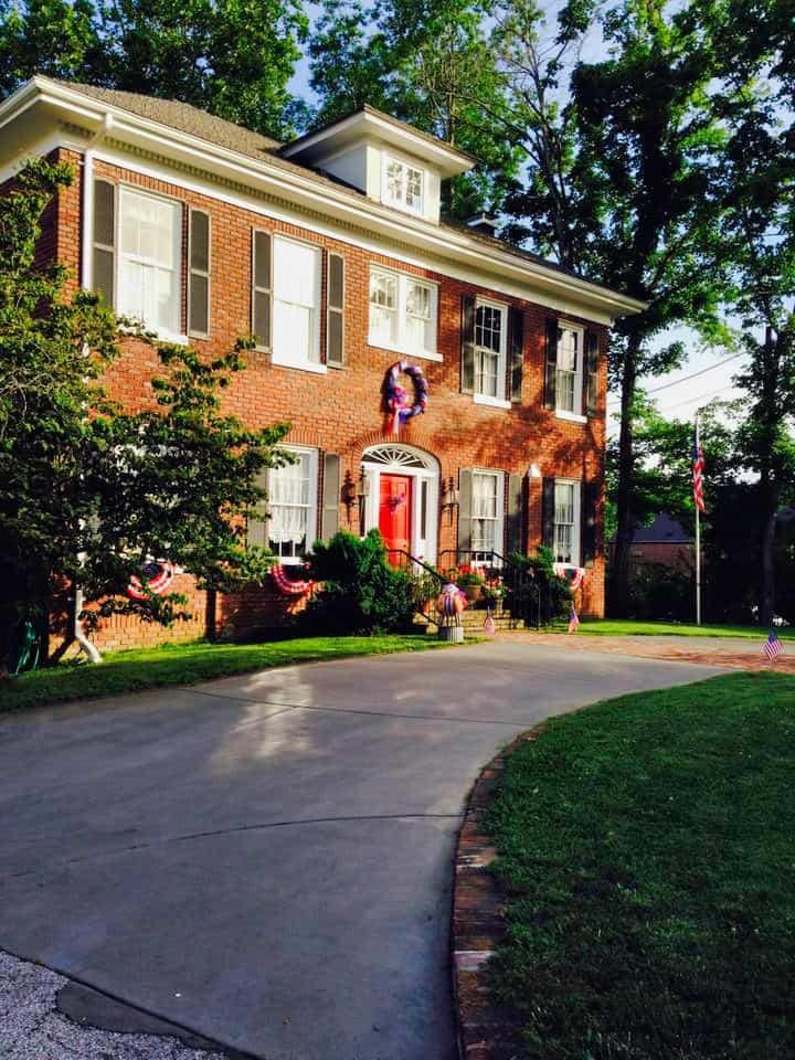historic-home-rent-exterior.jpeg