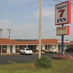 Super 7 Inn Right Off I-24