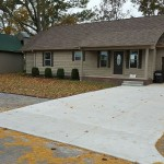 Front-Lawn-Garage-Bridgeview.jpg