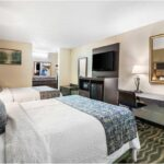2-beds-comfortable-hotel-room.jpg