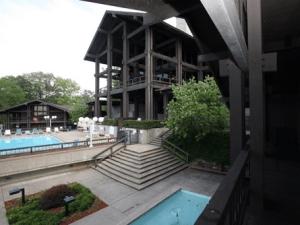 lodge-and-pool